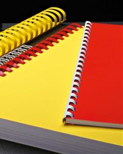 zbindowane i oprawione dokumenty